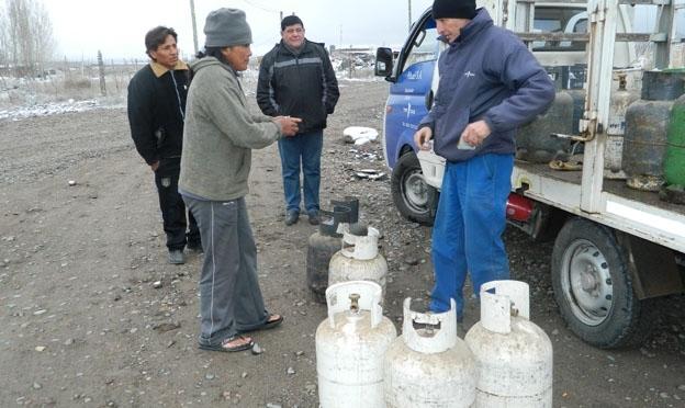 Sobreprecio y falta de gas envasado