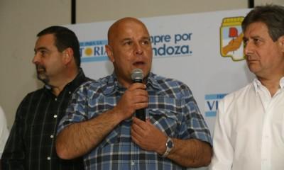 """Se agita la polémica minera: Abraham trató de """"violento"""" al intendente Difonso"""