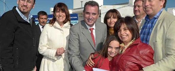 Pérez entregó viviendas en Tunuyán