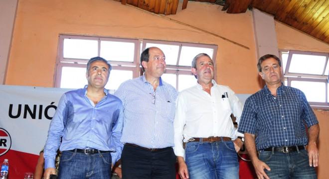 Cobos logró amortiguar la derrota ante Cornejo y Sanz