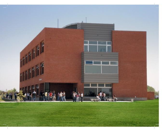 Universidad Siglo 21 celebra su 20º Aniversario con una muestra de César Pelli