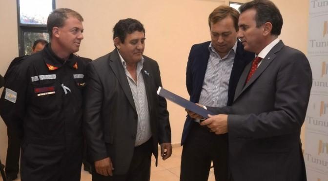 El Gobernador otorgó subsidios en Tunuyán y visitó obras