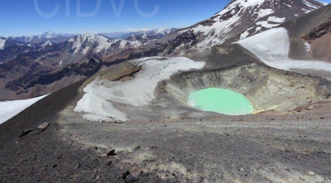 Alerta por actividad sísmica en el volcán Tupungatito